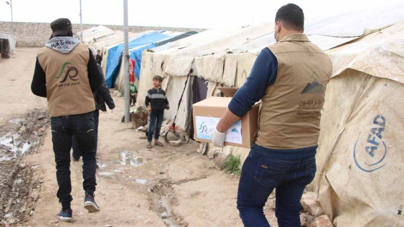 """بالصور: حرمون يطلق حملة للتوعية بـ """"كورونا"""" في مخيمات الشمال"""