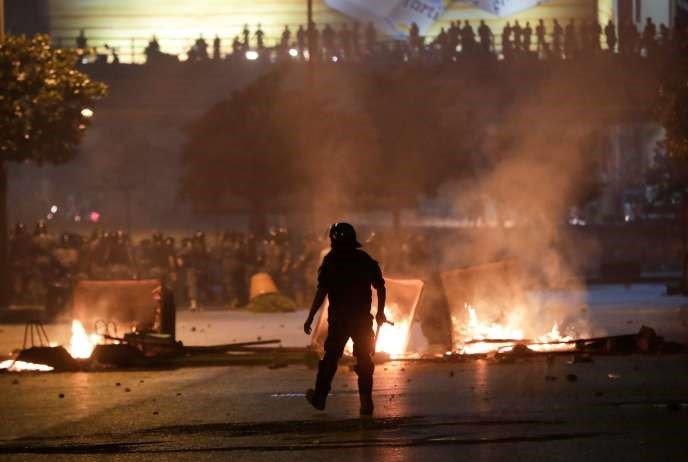 Des manifestations antigouvernementales face à la situation économique catatrophique du Liban, sont réprimées par la police, le 12 juin, à Beyrouth.