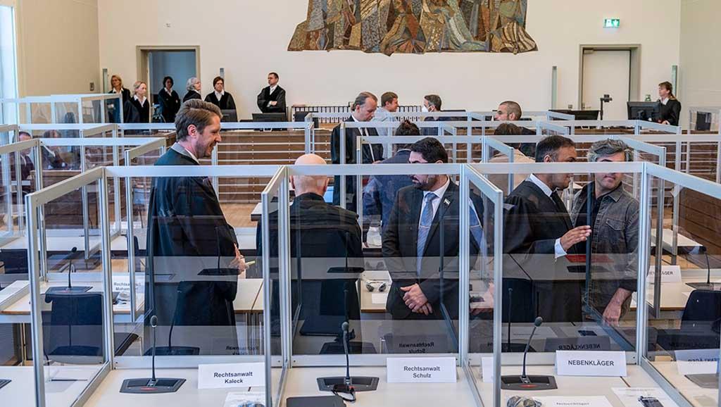 """محاكمة """"كوبلنز"""" وأهمية المسار القضائي العالمي في تحقيق العدالة"""