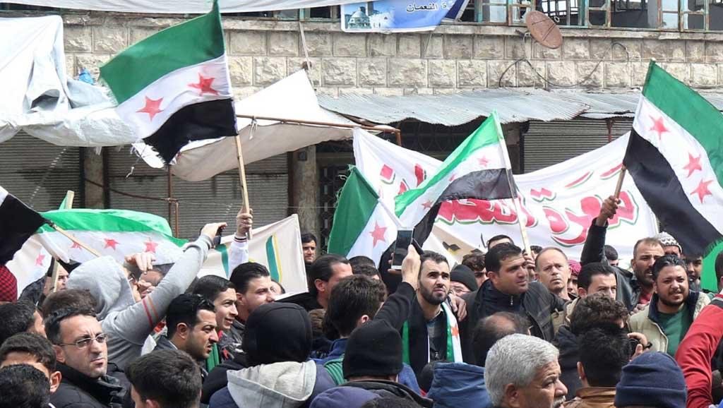 المنتفعون من الحرب في سورية يدخلون عالم السياسة