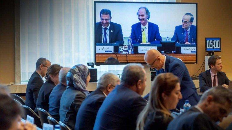 اللجنة الدستورية واستحقاقات السياسة