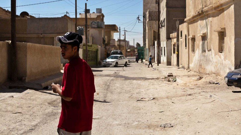 الصراع والهجرة في الشرق الأوسط: اللاجئون السوريون في الأردن ولبنان