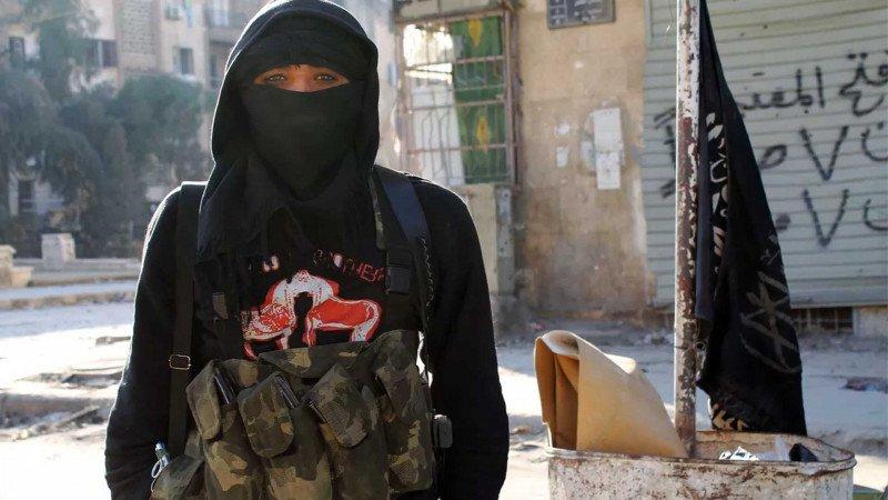 من اليوتوبيا إلى الديستوبيا: أن تكوني امرأة في منظمة إرهابية