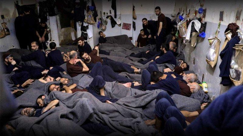 """""""كورونا"""" والسجون السورية"""