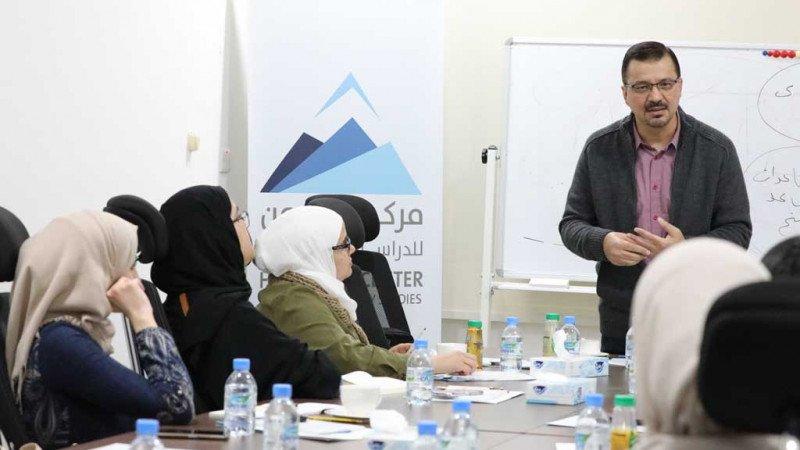 """اختتام دورة """"كتابة الرواية"""" في مركز حرمون فرع الدوحة"""