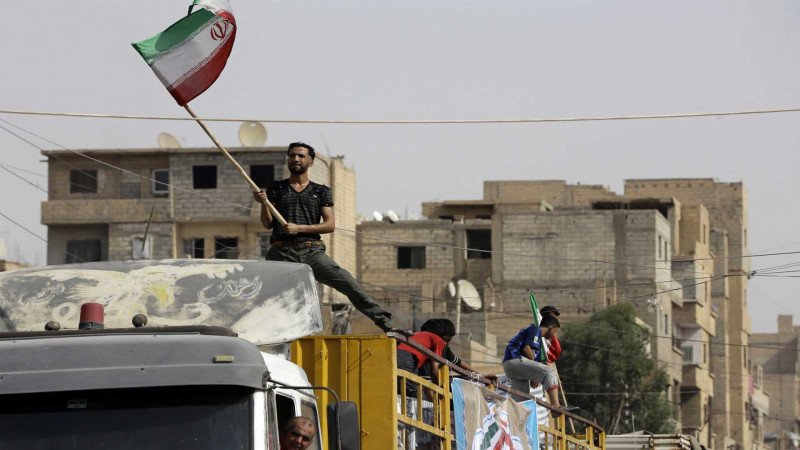 كيف فشلت طهران في تحويل انتصاراتها العسكرية خلال الثورة السورية إلى مكاسب اقتصادية