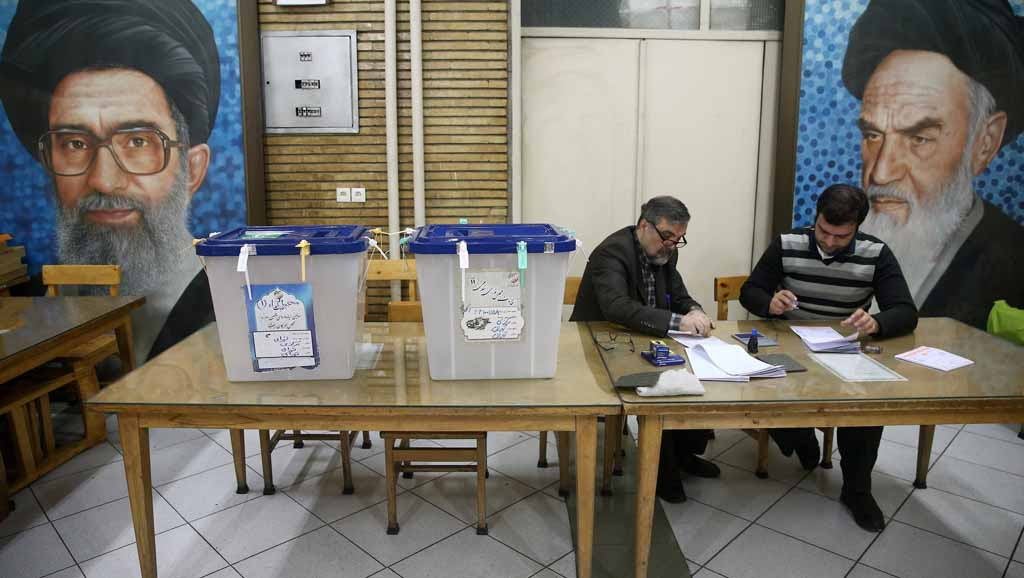 """""""ديمقراطية"""" انتخابات الأسد وخامنئي… الدكتاتوريات تتشابه"""