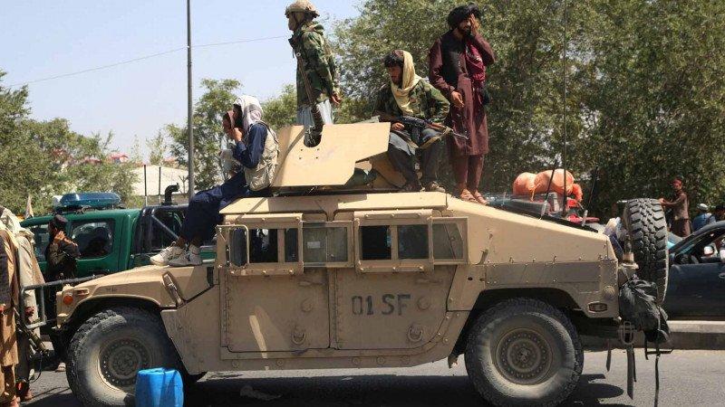 مصير السلاح الأميركي في أفغانستان بين قدرات طالبان المحدودة وهندسة طهران العكسية